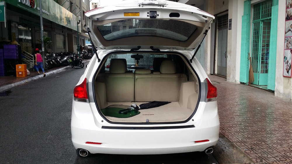 Bán Toyota Venza 2.7 L sản xuất năm 2009 màu trắng nội thất kem xe đẹp-2