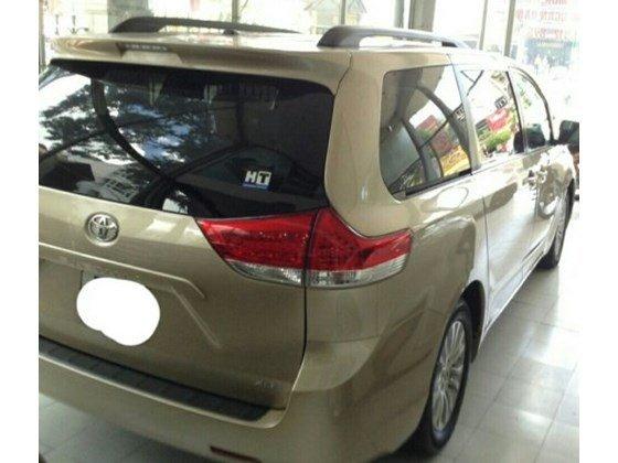 Cần bán gấp xe Toyota Sienna đời 2010, nhập khẩu nguyên chiếc-1
