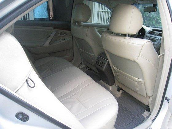 Gia đình bán Toyota Camry 2.4L sản xuất cuối 2012, màu bạc, nội thất màu da kem rất đẹp-8