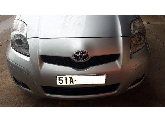 Bán xe Toyota Yaris màu bạc nhập Thái Lan, số tự động, đời cuối 2011, màu bạc-1