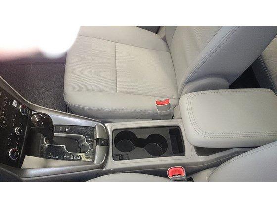 Cần bán xe Chevrolet Captiva LTZ đời 2015, màu trắng, nhập khẩu chính hãng, 949tr-4