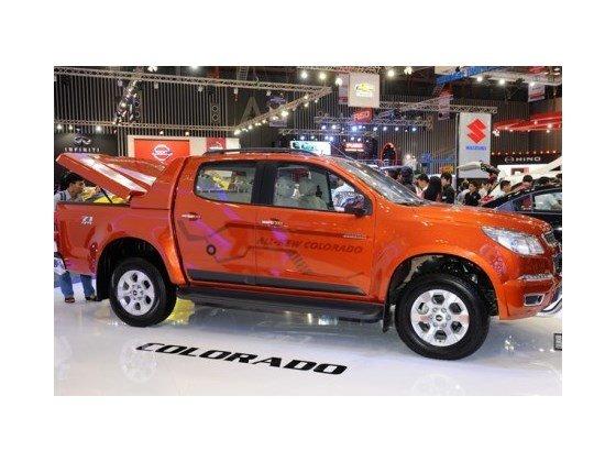 Bán xe Chevrolet Colorado 2.5LT đời 2015, màu đỏ cam, nhập khẩu nguyên chiếc-0