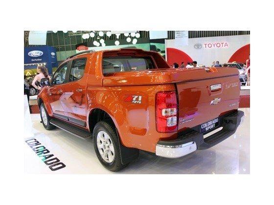 Bán xe Chevrolet Colorado 2.5LT đời 2015, màu đỏ cam, nhập khẩu nguyên chiếc-4