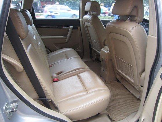 Cần bán gấp Chevrolet Captiva LTZ đời 2010, màu bạc, xe nhập, còn mới -6
