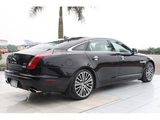 Cần bán Jaguar XJ đời 2013, màu đen, nhập khẩu nguyên chiếc-6