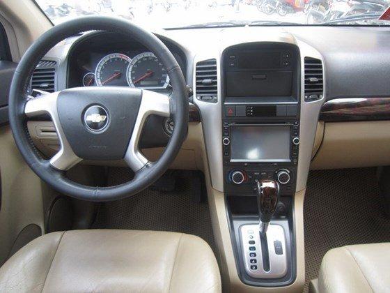 Cần bán gấp Chevrolet Captiva LTZ đời 2010, màu bạc, xe nhập, còn mới -10