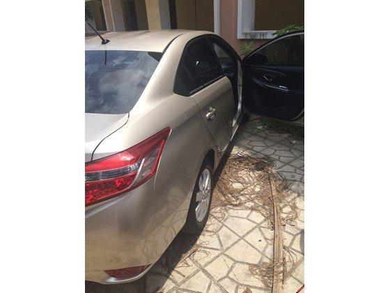 Em bán xe Toyota Vios G 2014 số tự động - mầu vàng cát. Nội thất màu đen-9