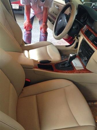 Cần bán BMW 320i đời 2010, màu đỏ, nhập khẩu, số tự động -4