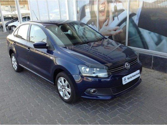 Cần bán xe Volkswagen Polo sản xuất 2015, màu xanh lam, nhập khẩu chính hãng, 690tr-0