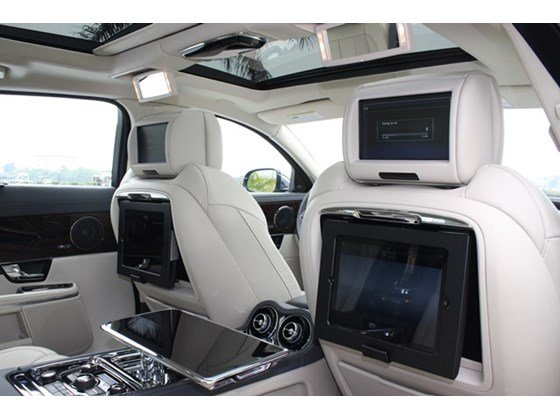 Cần bán Jaguar XJ đời 2013, màu đen, nhập khẩu nguyên chiếc-11