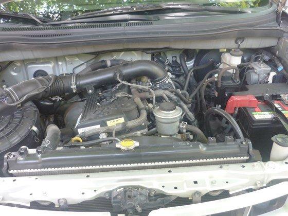 Bán xe ô tô Toyota Innova G màu ghi bạc nguyên bản chính chủ đăng ký tên tư nhân-5