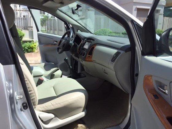 Bán Innova G 2.0 mầu bạc chính chủ SX 2009, xe đẹp không có va đụng-6