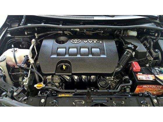 Toyota Đông Sài Gòn đang có một chiếc Altis 1.8MT màu đen-6