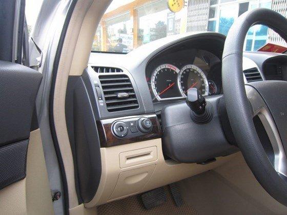 Cần bán gấp Chevrolet Captiva LTZ đời 2010, màu bạc, xe nhập, còn mới -12