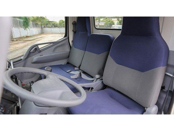 Cần bán xe Mitsubishi Canter 1.9 tấn đời 2015, màu trắng, nhập khẩu nguyên chiếc-4