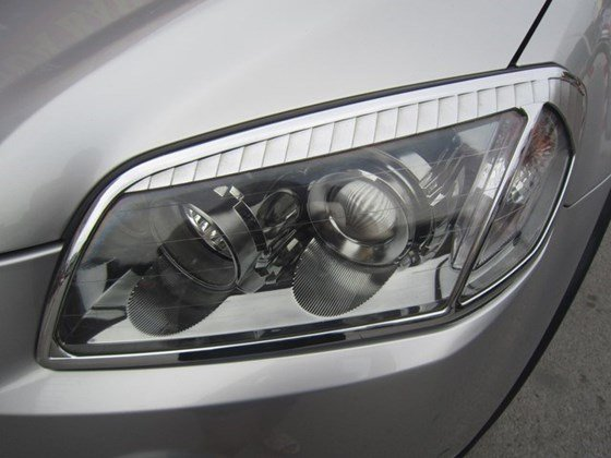 Cần bán gấp Chevrolet Captiva LTZ đời 2010, màu bạc, xe nhập, còn mới -8
