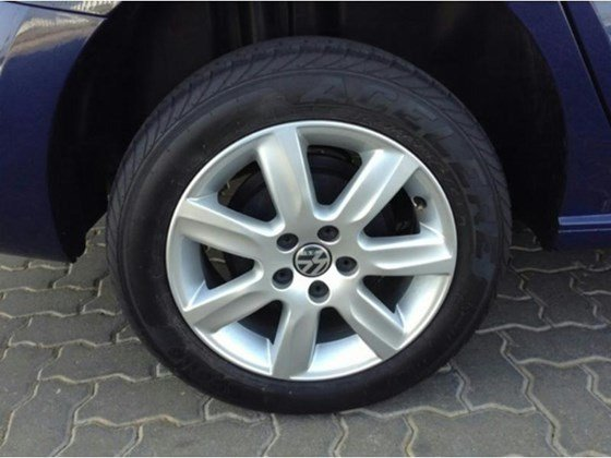 Cần bán xe Volkswagen Polo sản xuất 2015, màu xanh lam, nhập khẩu chính hãng, 690tr-2