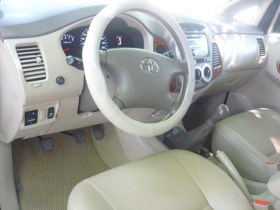 Bán xe ô tô Toyota Innova G màu ghi bạc nguyên bản chính chủ đăng ký tên tư nhân-3