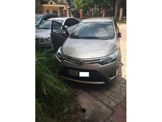 Em bán xe Toyota Vios G 2014 số tự động - mầu vàng cát. Nội thất màu đen-0