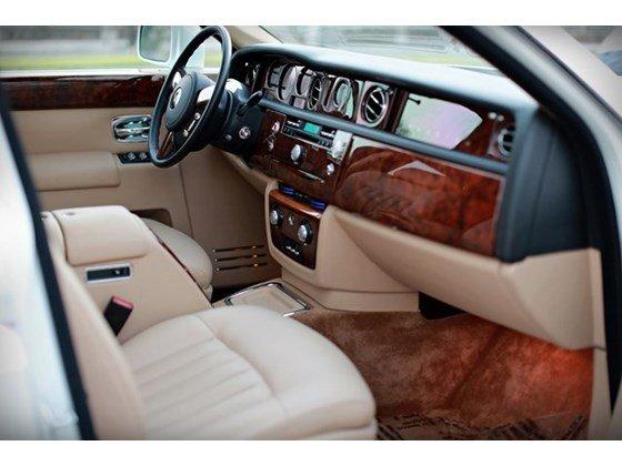Bán ô tô Rolls-Royce Phantom 2013, màu trắng, nhập khẩu-10