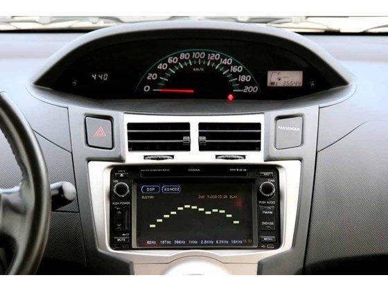 Cần bán xe Toyota Yaris đời 2009, màu bạc, xe nhập-10