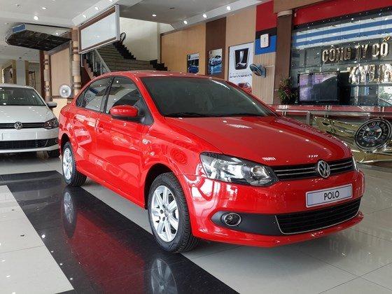Bán Volkswagen Polo năm 2015, màu đỏ, xe nhập-0