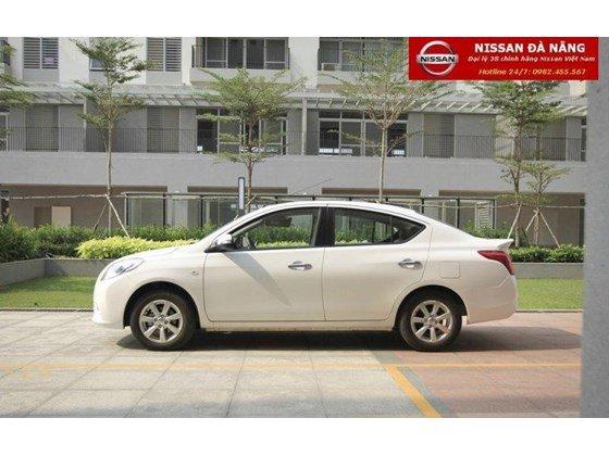 Bán xe Nissan Sunny đời 2015, màu trắng, xe nhập-3