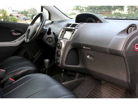 Cần bán xe Toyota Yaris đời 2009, màu bạc, xe nhập-13