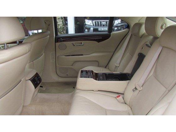 Cần bán xe Lexus LS 460L đời 2010, màu đen, nhập khẩu nguyên chiếc, số tự động-3