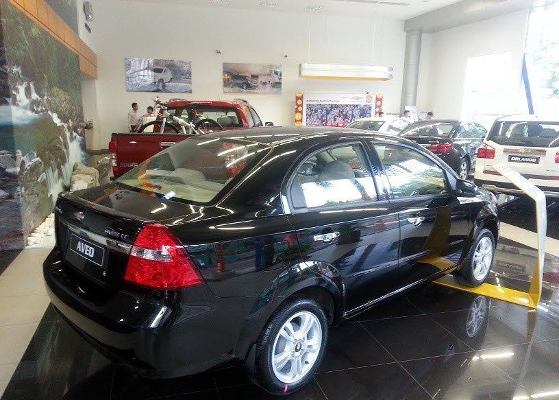 Bán ô tô Chevrolet Aveo đời 2015, màu đen-5