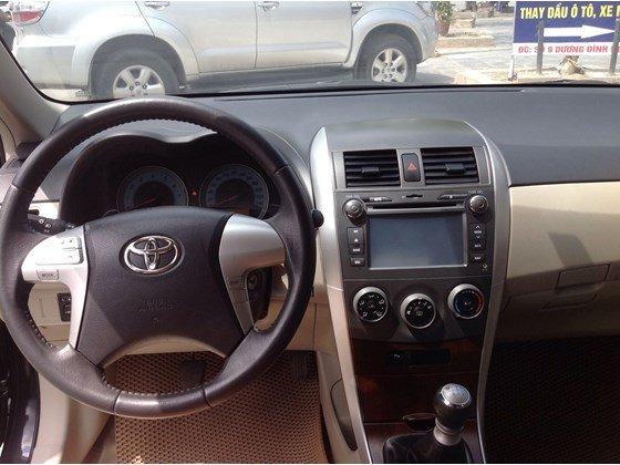 Cần bán gấp Toyota Corolla Altis năm 2011, màu đen, nhập khẩu chính hãng, số sàn, giá chỉ 650 triệu-6