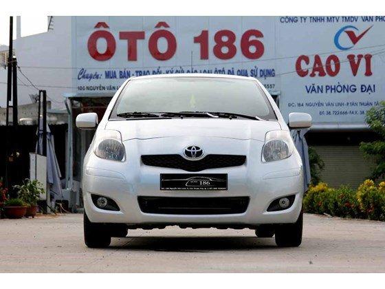 Cần bán xe Toyota Yaris đời 2009, màu bạc, xe nhập-0