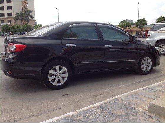 Cần bán gấp Toyota Corolla Altis năm 2011, màu đen, nhập khẩu chính hãng, số sàn, giá chỉ 650 triệu-0