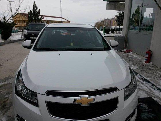 Cần bán xe Chevrolet Cruze đời 2015, màu trắng, nhập khẩu nguyên chiếc, giá 572tr-0