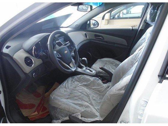 Cần bán xe Chevrolet Cruze đời 2015, màu trắng, nhập khẩu nguyên chiếc, giá 572tr-6