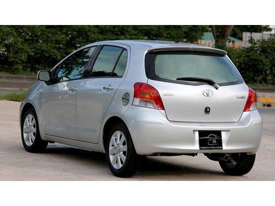 Cần bán xe Toyota Yaris đời 2009, màu bạc, xe nhập-3