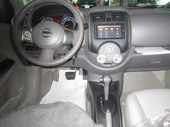 Bán xe Nissan Sunny 2015, màu xám, nhập khẩu-12