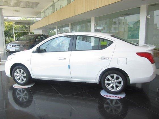 Bán xe Nissan Sunny 2015, màu xám, nhập khẩu-8