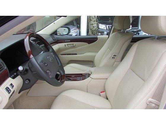 Cần bán xe Lexus LS 460L đời 2010, màu đen, nhập khẩu nguyên chiếc, số tự động-4