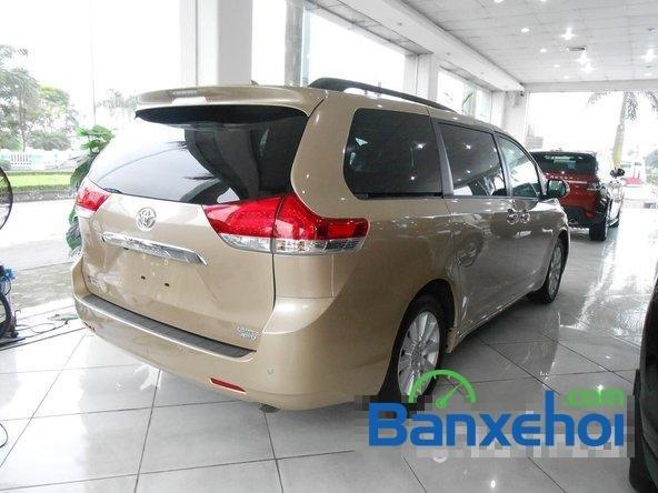 Bán ô tô Toyota Sienna sản xuất 2014, màu vàng cát-3