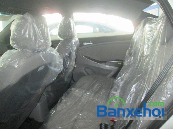 Cần bán Hyundai Accent Blue 2015, màu trắng-13