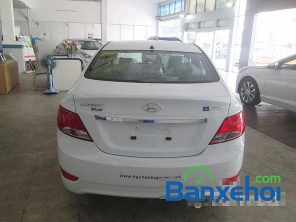 Cần bán Hyundai Accent Blue 2015, màu trắng-5