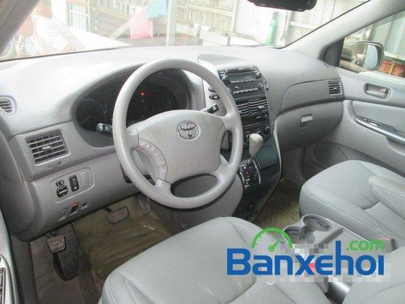 Bán Toyota Sienna Le đời 2008, màu bạc đã đi 42000 km-5
