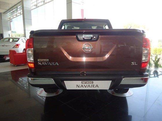 Cần bán xe Nissan Navara NP300 đời 2015, màu nâu, nhập khẩu-2
