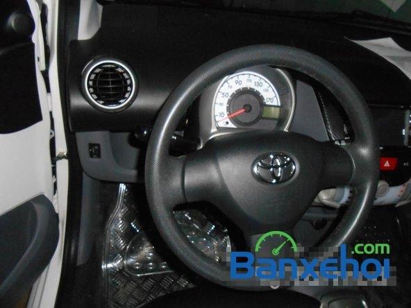 Bán ô tô Toyota Aygo đời 2011, màu trắng đã đi 40000 km, giá chỉ 470 triệu-10
