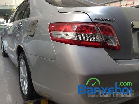 Cần bán lại xe Toyota Camry 2.5 đời 2010, màu bạc, nhập khẩu chính hãng-0