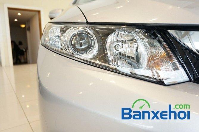 Bán ô tô Honda Civic 1.8 đời 2015, màu bạc, giá 780tr-2