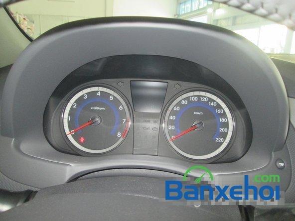 Cần bán Hyundai Accent Blue 2015, màu trắng-9