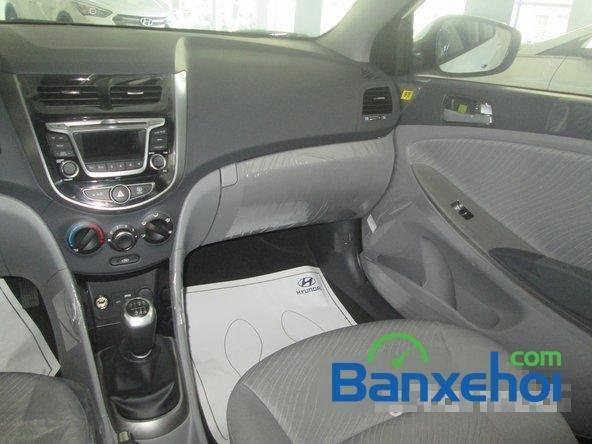 Cần bán Hyundai Accent Blue 2015, màu trắng-10