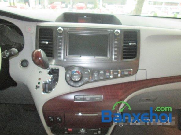 Bán xe Toyota Sienna Limited năm 2013, màu trắng đã đi 10000 km-10